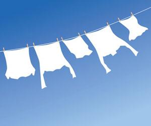 Hemden flattern fröhlich im Wind